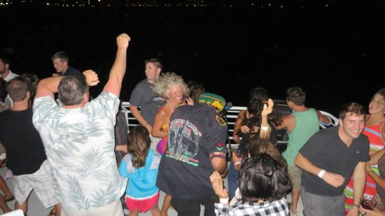 Pacific Whale Foundation : Dancing with Marty