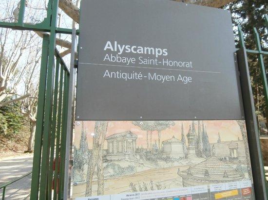 Les Alyscamps : insegna