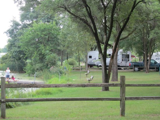 Indian Trails Campground: big sites