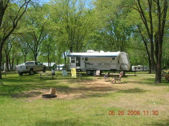 Indian Trails Campground: large campsites