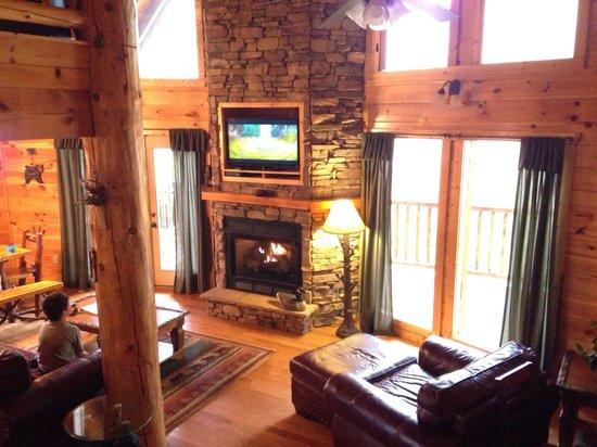 Elk Springs Resort: Inside of Grin and Bear it cabin