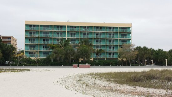 South Beach Condo/Hotel : View of hotel from beach