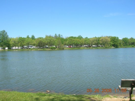 Indian Trails Campground: 15 acre fishing lake