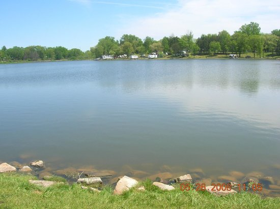 Indian Trails Campground: length of the lake