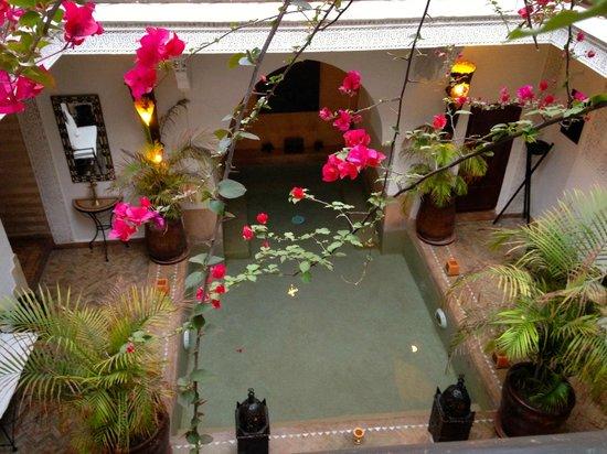 Riad Les Nuits de Marrakech : View of pool