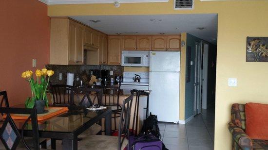 South Beach Condo/Hotel : Kitchen/dining