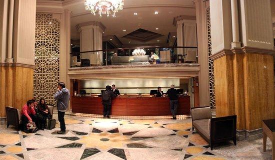 Grand Hyatt Istanbul: Central Lobby