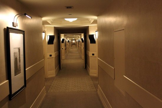 Grand Hyatt Istanbul: Corridor