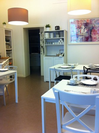 The Art Inn Lisbon: Cozy Dining Area for Breakfast