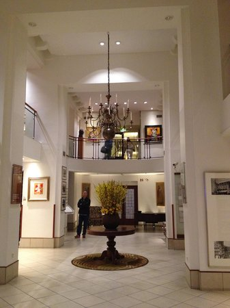 Hampshire Hotel - Amsterdam American: Hotel lobby