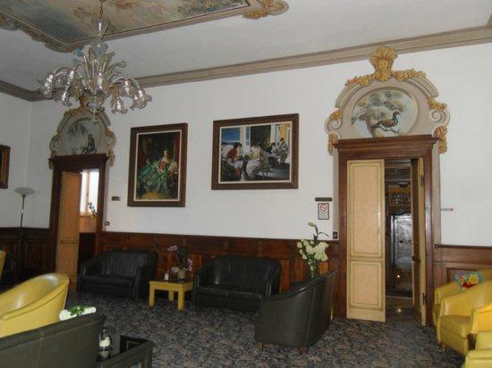 Villa delle Rose: salon