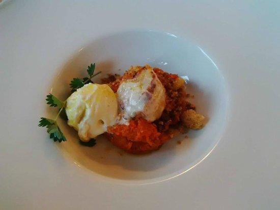 Restaurant President: Pappa al pomodoro : capesante con gelato cipollotto e uova di ricciola.