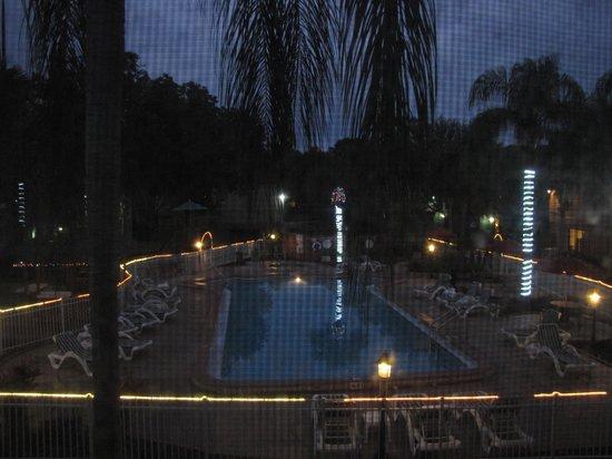 Florida Vacation Villas : Pool at night time
