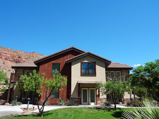 Cliffrose Lodge & Gardens: Riverside Suite Exterior