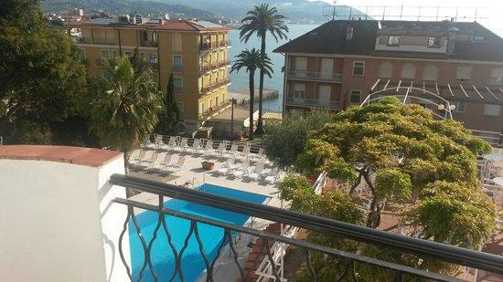 Hotel Moresco : Vista dal terrazzino