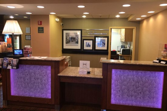 "Hampton Inn Newcomerstown : The ""Smart"" Front Desk"