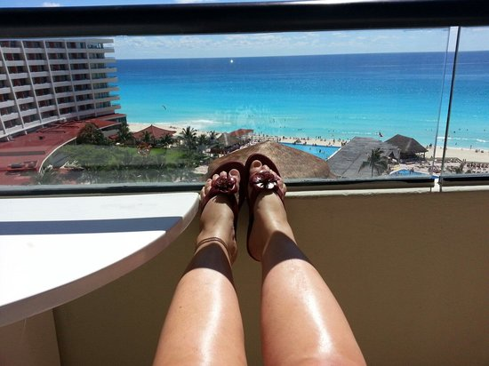 Crown Paradise Club Cancun: Every day I enjoyed this beautiful view.  (Two week).