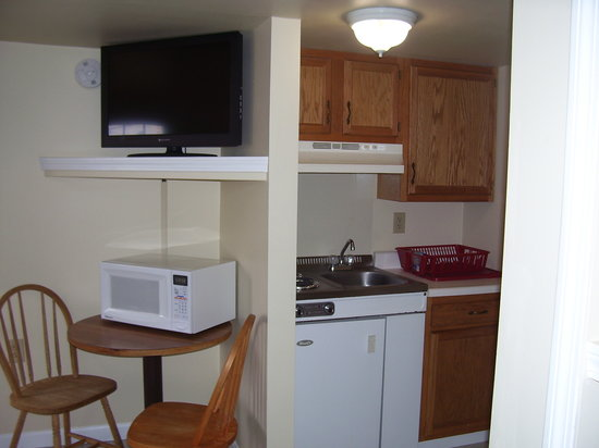 Sunset Village Motel: one of our room with a kitchen