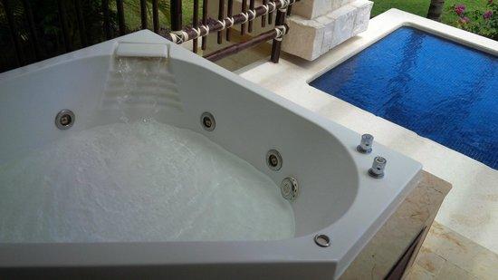 Dreams Riviera Cancun Resort & Spa: Hidromasaje