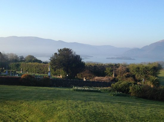 Aghadoe Heights Hotel & Spa: Early morning mist over the Killarney Lake & National Park