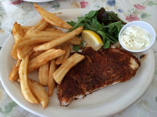 The Galley Grill: Blackened Grouper