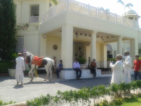 The Lalit Laxmi Vilas Palace Udaipur: dancing horse
