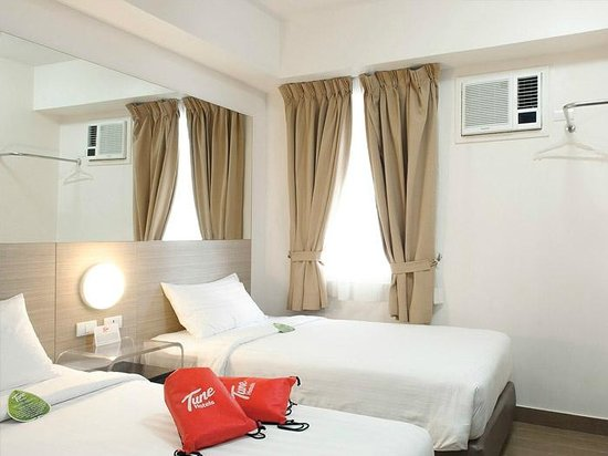 Red Planet Ermita, Manila: Our Twin Bedroom