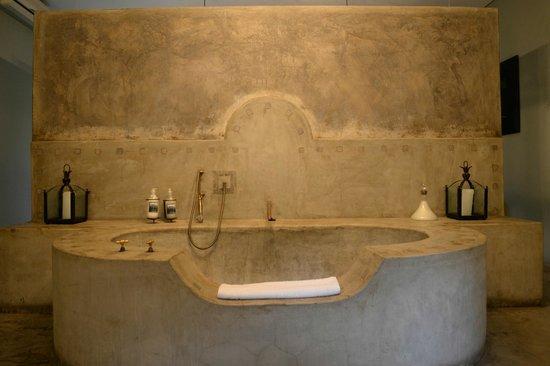 Olive Grove: Tub