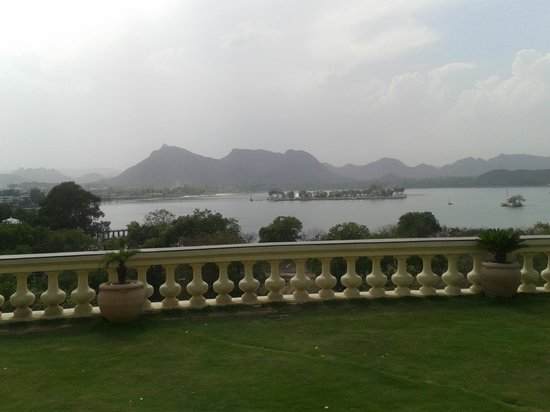 The Lalit Laxmi Vilas Palace Udaipur: View from the enterance