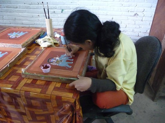 Artisans Angkor: Silk painting