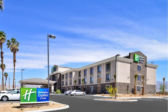 Holiday Inn Express & Suites Indio: Holiday Inn Express Exterior