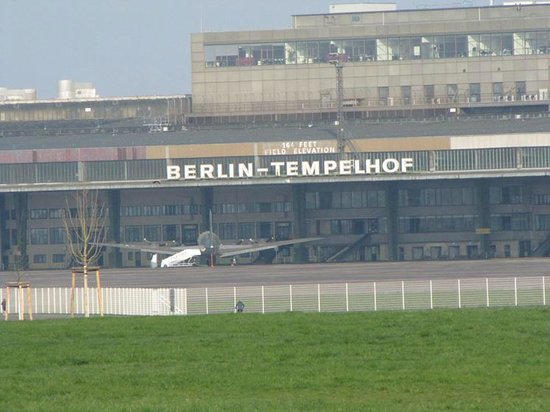 Flughafen Tempelhof: Berlin Tempelhof