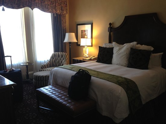 The Roosevelt New Orleans, A Waldorf Astoria Hotel: King Bed