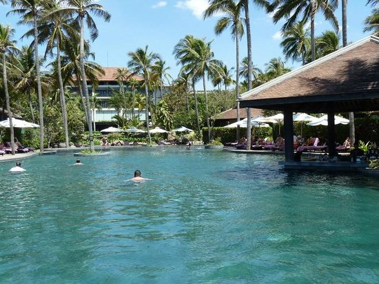 Anantara Mui Ne Resort : общий бассейн