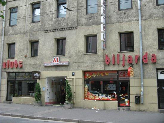 A1 Hotel : Вход