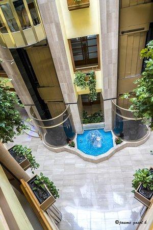 Hotel GHT Aquarium & SPA: Ascensores
