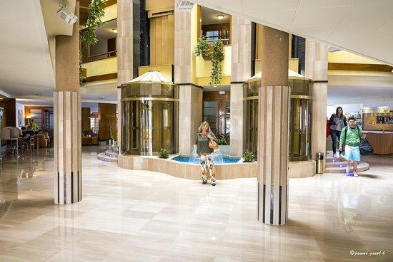Hotel GHT Aquarium & SPA: Recepción