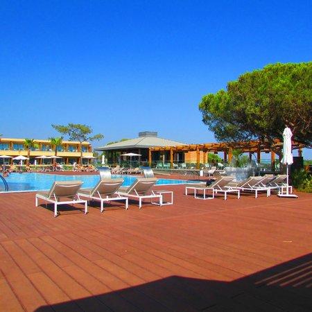 EPIC SANA Algarve Hotel: Pool area