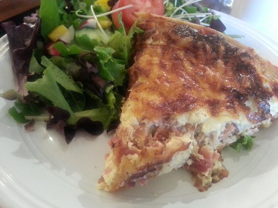 Clafoutis: Ham and onion quiche