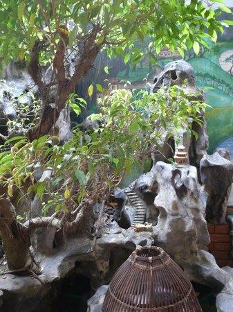 Thuy Anh Hotel: detalle salon