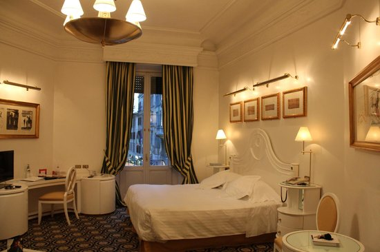 Hotel Majestic Roma: Lovely, romantic art lighting