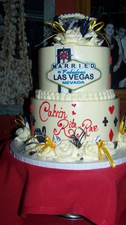 wedding cake by the slice las vegas slices of yumminess foto de freed s bakery las 22146