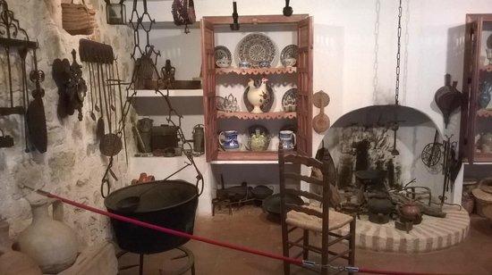 Museo de Artes y Costumbres Populares del Alto Guadalquivir: cocina antigua de cazorla