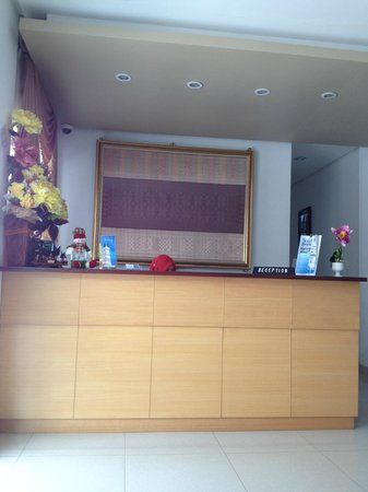 Hotel Grand Kartini : *