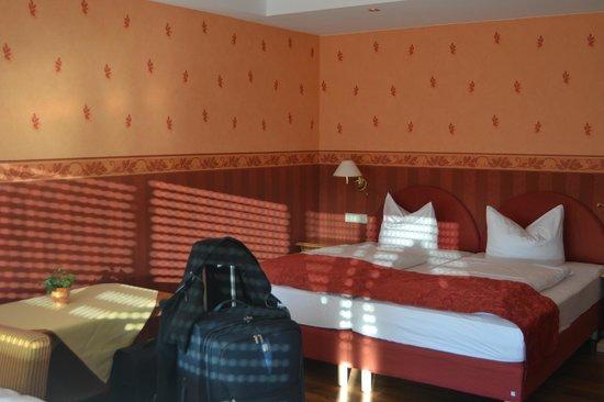 Hotel Rebenhof: Il letto matrimoniale