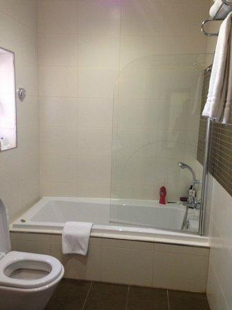 Argento Hotel: salle de bains