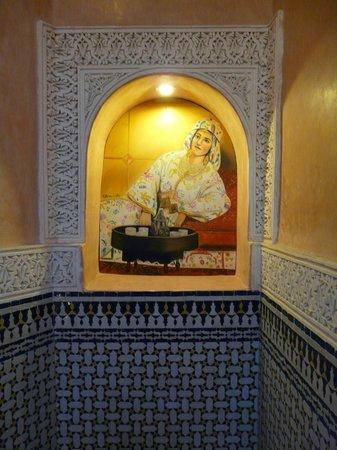 Dar Al Madina Al Kadima: Detalle de la escalera