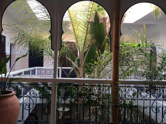 Riad Abaca Badra: Vue du salon