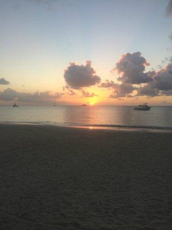 Sandals Grande Antigua Resort & Spa : Sunset