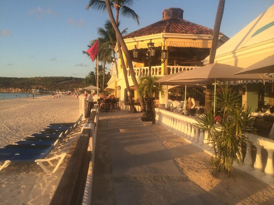 Sandals Grande Antigua Resort & Spa : Beach shot